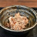 権之助FLAT - 【本日の海鮮9種のっけ丼@税込1,000円】小鉢 その2:白身魚のフレーク