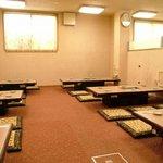 味将軍 - 店内は広々75席。35名まで入れるお座敷は貸切も可能です。忘年会・新年会などの宴会にぜひ!