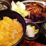 喜三郎 - 骨付き鶏定食 980円