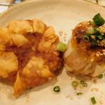 野田焼売店 - 右:焼焼売、左:揚焼売水焼売(盛り合わせ ハーフ盛り)
