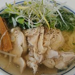 万両力石 - 鶏叉焼麺