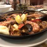 ラ ボデガ - ちょっと横から、魚貝のパエリア