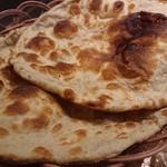 アルカラム - ・Bhindi Gosht の Roti ちょっと苦い