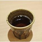 トサ ダイニング おきゃく - お冷の代わりにアツアツのお茶でした。