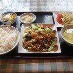 新新飯店 - 五目炒め定食 これで650円ですよ!