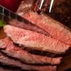 パークストリート - 料理写真:人気の「牛モモ肉のロースト」