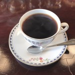 宮越屋珈琲 - ウェッジウッドのカップで頂く