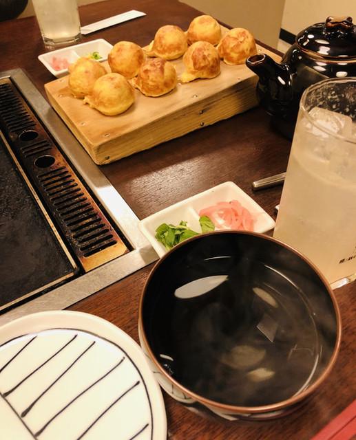 たこつぼ - 熱々のお出汁に浸していただく、明石焼き♡ たこ焼きよりあっさり。