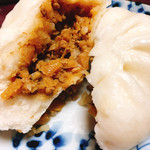 桂雀花 - 料理写真:肉まん(中)