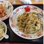 聚香楼 - 料理写真:チャーハン+唐揚