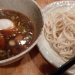 つけめん・らーめん かもん - 醤油つけ麺 650円 / 独特な麺です。
