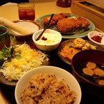 9981344 - ロール・メンチ・ヒレ定食