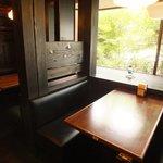 香港厨房 - 落ち着けるテーブル席