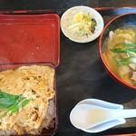 とんち - 料理写真:はんちゃんかつ重 ¥1080