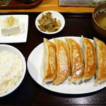 99828479 - 限定 ジャンボ餃子 ¥850 ライス(セット) ¥150
