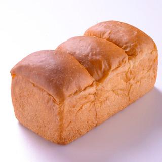 こだわりのバターを限界まで使用した。プレミアム生食パン!