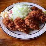 みすず - 大粒のカキフライが5個。広島産の牡蠣です。タルタルソースは無し。