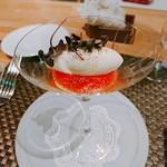 99841284 - 完熟トマトのジュレとモッツァレラチーズのムース