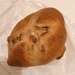 99841572 - くるみパン