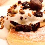幸せのパンケーキ - 和栗のモンブランパンケーキ
