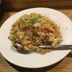 一番餃子 - 料理写真:自慢チャーハン
