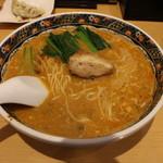 寿限無 担々麺 - 坦々麺(880円、斜め上から)
