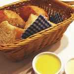 9986913 - パンと手作りのオレンジバター