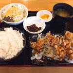 亀屋マル八 - ピリ辛唐揚げ定食