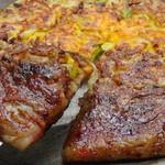 高知屋 - 料理写真:ミックス焼き 当店の定番もちもち食感を生かした看板メニュー