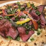 アモーラ ピッツァ - 料理写真:1月限定!ローストビーフと5種の香味野菜のピッツァ