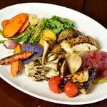 彩り旬野菜の炭火焼き