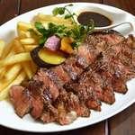 牛ロース肉の炭火焼
