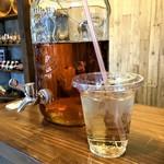 地産CAFE&SHOPけあふぃっとふぁーむ - 甲州小梅ジュース