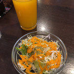 サプナ - サラダ、マンゴージュース