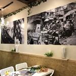 インド酒場MONIKA - 1月より壁面をリニューアルです。