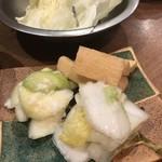 大阪串かつ テンテコマイ - 手塩にかけた漬け物 三種盛り