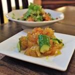 中国家常菜 燕郷房 - クラゲとキュウリのにんにく醤油和え