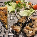 IZUMI DINING - 【鶏肉のロースト         炭のお塩で&キッシュ】