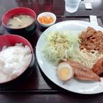 あなたの街の定食屋さん - 平日ランチ(500円)