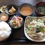 むちゃく - 日替りランチ=750円       ※国産豚ロースと冬野菜の温しゃぶ