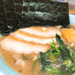 新岡商店 - 料理写真:◆ラーメン 650円 ◆お得セット 250円 味玉・のり・チャーシュー