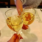 Modern Chop House RUSTEAKS - シャンパンで乾杯