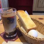 コメダ珈琲 - モーニング、小豆小町のコーヒー選択で540円