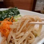 きじ亭 - きじ亭 つけ麺の麺の太さと割り箸