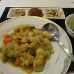 99908395 - 鶏肉のカレー炒め