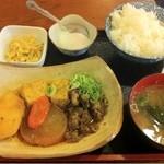 二刀流武蔵 - 牛すじ煮込み定食