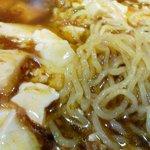 曙軒 - 豆腐ラーメン拡大。やはり細麺ちぢれ系。