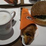 サンマルクカフェ - 絶品月見照り焼きチキンバーガーチョコクロセット@590円