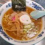 京城館 - 料理写真:醤油ラーメン