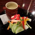 Bistro Dining Daiba屋 - バーニャカウダ(680円)